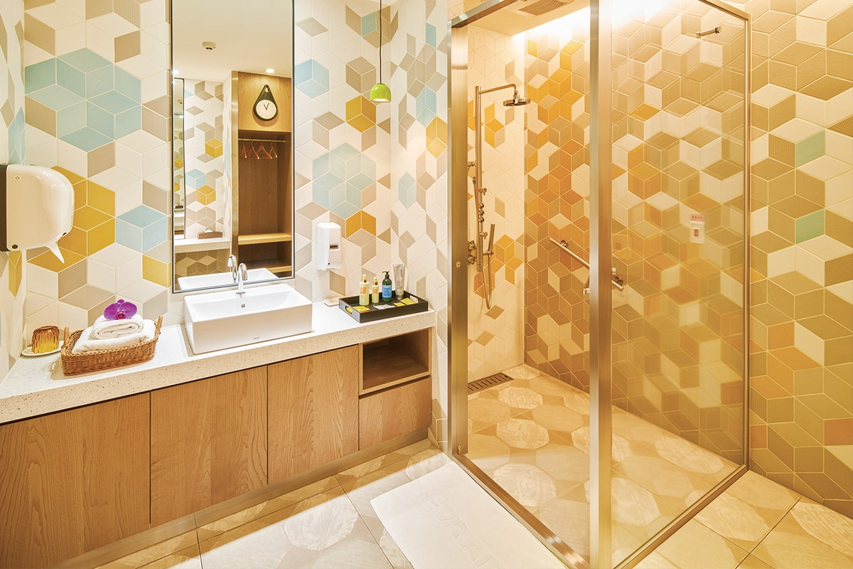 Shower Rooms in The Garden Lounge