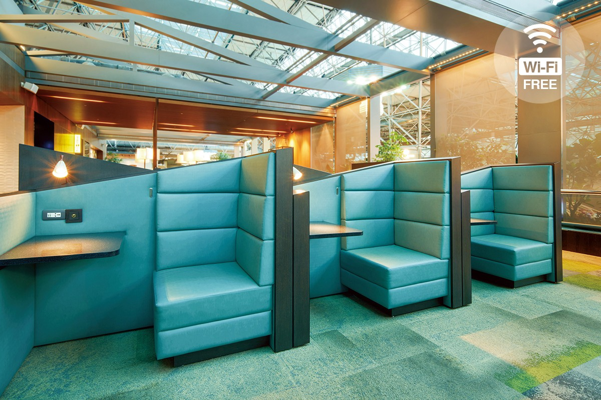 Seat area & Free Wi-Fi in The Garden Lounge